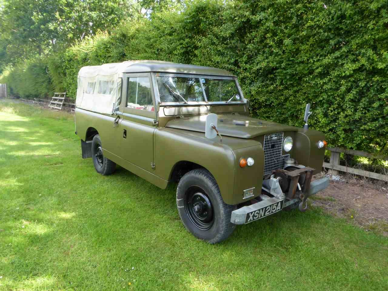 Land Rover Series IIa 109-inch pick up